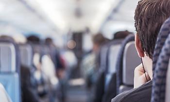 Ηράκλειο: Πέθανε στο αεροπλάνο μπροστά στον σύζυγό της – Πανικός λίγο πριν την απογείωση