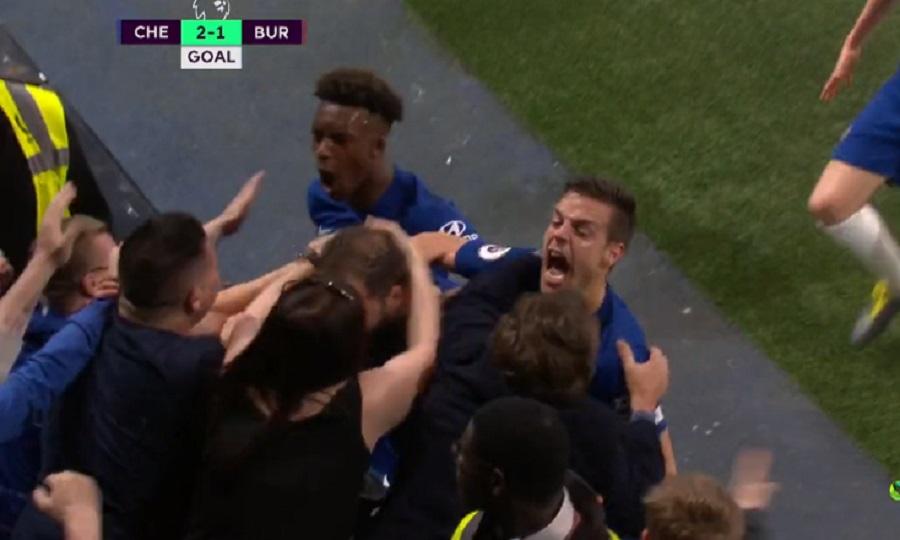 Ο Ιγκουαΐν πανηγύρισε την γκολάρα του στο… στήθος μιας οπαδού (video)