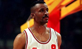 Έντι Τζόνσον: «Δεν θα λείψει για πολύ από το NBA o Κοκόσκοφ» (video)