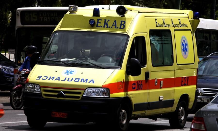 Φάληρο: Πεντάχρονος καταπλακώθηκε από γκαραζόπορτα