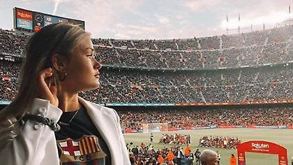 Η κοπέλα του Ντε Γιονγκ πανηγύρισε το πρωτάθλημα στο «Καμπ Νου» (pics)