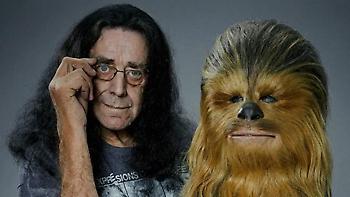 «Αντίο, Τσούι»: Χάρισον Φορντ, Μαρκ Χάμιλ και άλλοι αποχαιρετούν τον «ευγενή γίγαντα» του Star Wars