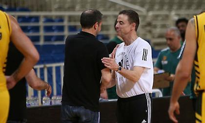 Πιτίνο: «Ευχαριστώ την ΑΕΚ και τον σπουδαίο προπονητή της»