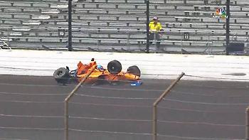 Ατύχημα για Αλόνσο στο IndyCar (video)