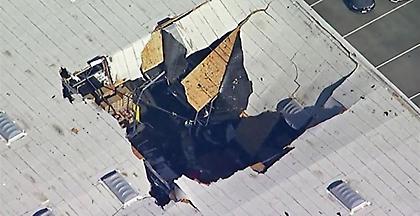 ΗΠΑ: Συνετρίβη μαχητικό F-16 σε κτήριο στην Καλιφόρνια