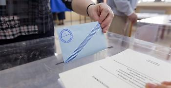 Ευρωεκλογές: Σταθερό προβάδισμα ΝΔ έναντι του ΣΥΡΙΖΑ σε τρεις δημοσκοπήσεις