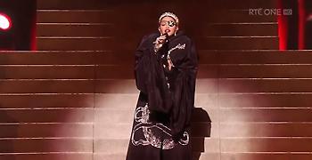 Σκιά του εαυτού της η Madonna στη Eurovision (video)
