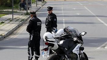 Δραπέτης μετέφερε μετανάστη με κλεμμένο αμάξι στην Άρτα