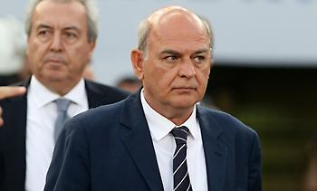 Δυσαρεστημένη με Γραμμένο FIFA και UEFA