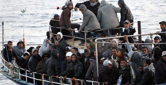 Ιταλία: Απόβίβαση δεκάδων μεταναστών στη Λαμπεντούζα - «Ήττα» για Σαλβίνι