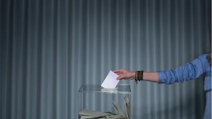 Ευρωεκλογές 2019: Πώς θα ψηφίσουν οι 17άρηδες - Ο μεγάλος άγνωστος «Χ» στην εκλογική εξίσωση