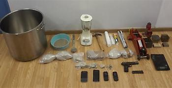 Τέσσερις συλλήψεις για διακίνηση ναρκωτικών στον Κολωνό