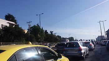 Κίνηση μετ'εμποδίων στους δρόμους της Αθήνας: Προβλήματα σε Κηφισίας, Αθηνών-Λαμίας και Ποσειδώνος