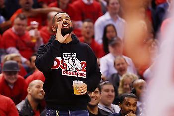 Ο Γιάννης έκανε airball σε βολή και ο Drake τον κορόιδευε (video)