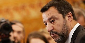 Ιταλία: Έστειλαν σφαίρα στον Σαλβίνι – «Δεν με φοβίζουν»
