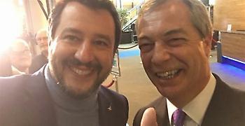 Βρετανία: Ανοιχτό το ενδεχόμενο συμμαχίας του Φάρατζ με Σαλβίνι και Λεπέν