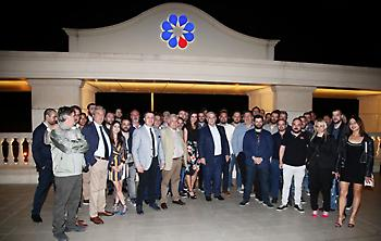 Έκανε το τραπέζι στους δημοσιογράφους ο Μελισσανίδης (pics)