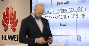 Η Huawei κινδυνεύει να μειώσει στο μισό το μερίδιό της στην αγορά