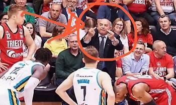 Άσεμνες χειρονομίες από τον Δήμαρχο της Τεργέστης προς τους παίκτες της Κρεμόνα