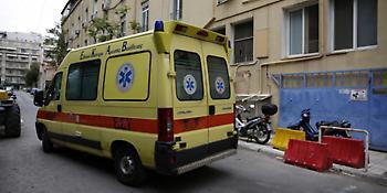 Σοκ στην Κόρινθο: Ηλικιωμένος πέθανε στην ουρά που πήγε να ψηφίσει