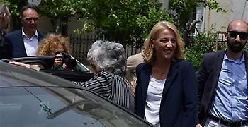 Η Ελένη Λουκά «την έπεσε» στην Περιφερειάρχη Αττικής Ρένα Δούρου (video)