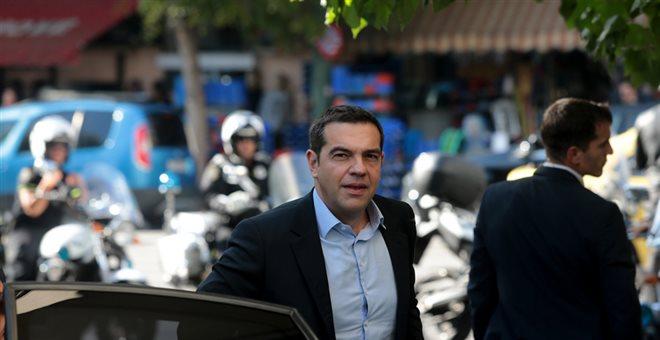 Στην Κουμουνδούρου ο Τσίπρας-Συνεδριάζει η Πολιτική Γραμματεία