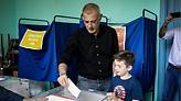 Δήμος Πειραιά: Με 20% μπροστά ο Μώραλης - Στη δεύτερη θέση ο Βλαχάκος