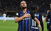 Η μπάλα στο δοκάρι, η Ίντερ στο Ch. League και η Έμπολι στη Serie B! (video)