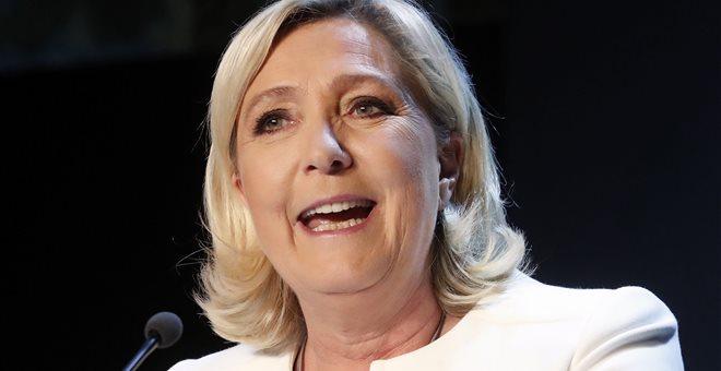 Πλήγμα για τον Μακρόν η νίκη της ακροδεξιάς Λε Πεν στις ευρωεκλογές