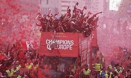 Γιόρτασε με την ψυχή του το Λίβερπουλ για την πρωταθλήτρια Ευρώπης! (pics/vids)