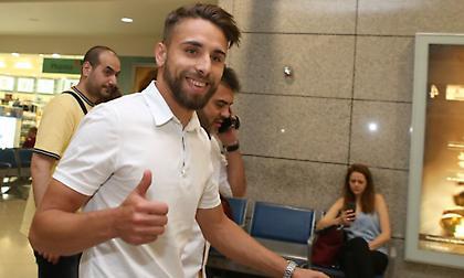 Έφτασε για την ΑΕΚ ο Παουλίνιο (pics)