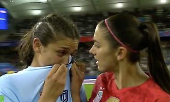 Έβαλαν τα κλάματα μετά το 13-0 οι παίκτριες της Ταϊλάνδης (video)