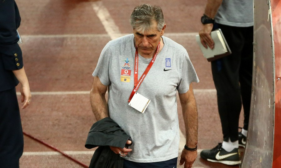 Σωτηρακόπουλος: «Χρειάζονται σκληρές τομές στην Εθνική. Πρώτη η απομάκρυνση του προπονητή»