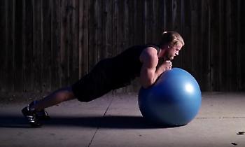 Αυτές είναι οι 5 καλύτερες ασκήσεις κοιλιακών που δεν κάνετε σχεδόν πότε!