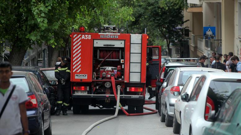 Πυρκαγιά στη Δαφνη: Απεγκλωβισμός 2 ηλικιωμένων και ενός 5χρονου κοριτσιού