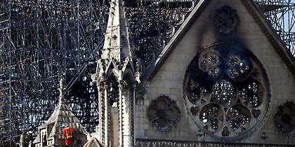 Παναγία των Παρισίων: Σήμερα η πρώτη λειτουργία μετά την καταστροφική πυρκαγιά
