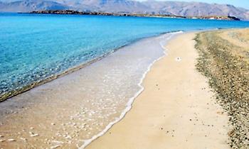 Δεν έχει κατοίκους, ούτε βαβούρα: Το νησάκι με τα πιο διαυγή νερά στην Ελλάδα
