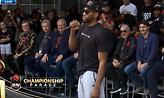 O Λέοναρντ τρόλαρε το κοινό στην παρέλαση των Ράπτορς με ψεύτικο γέλιο (video)
