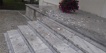 Ερείπιο το νοσοκομείο του Κιλκίς - Πέφτουν σοβάδες από τα ταβάνια (pics)