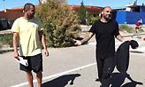 «Ο μυστηριώδης Έλληνας που έτρεξε από το σπίτι του Ραούλ Μπράβο με 54.000 ευρώ»