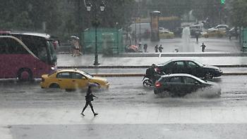 Καιρός: Ξεκίνησαν οι ισχυρές καταιγίδες στην Αττική