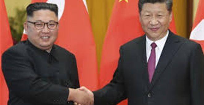 Αφίχθη στη Βόρεια Κορέα ο Κινέζος πρόεδρος Σι Τζινπίνγκ