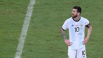 Μέσι: «Πολύ άσχημα τα γήπεδα που παίζουμε στο Κόπα Αμέρικα»