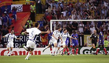 Αυτό το ένα βράδυ που η Ελλάδα ήταν καλύτερη από τον Ζιντάν! (vids/pics)