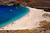 Δύο ώρες από Ραφήνα: Το νησί με τα πιο φτηνά εισιτήρια σε καλεί να το ανακαλύψεις