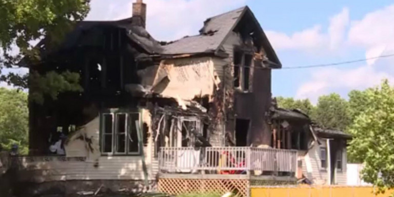 Ανείπωτη Τραγωδία στο Ουισκόνσιν - Φωτιά έκαψε ζωντανά έξι άτομα - Τα τέσσερα ήταν μικρά παιδιά