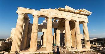 Reuters: Η κλιματική αλλαγή απειλεί την Ακρόπολη και άλλα αρχαία μνημεία