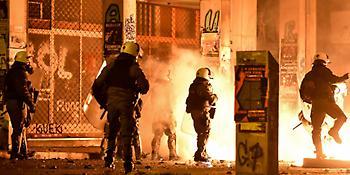 Επίθεση με μολότοφ έξω από τα γραφεία του ΚΙΝΑΛ - Δύο επιθέσεις σε 20 λεπτά