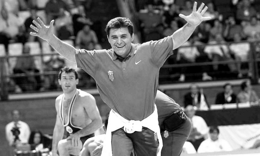 Θρήνος στην πάλη - «Έφυγε» ο Ολυμπιονίκης Μπάμπης Χολίδης