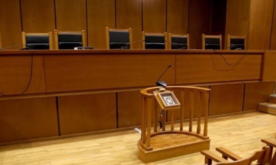 Κατέρρευσε κατηγορούμενος στη δίκη της ΧΑ- Προσωρινή διακοπή